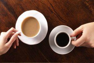 चाय या कॉफी का सेवन अधिक करना