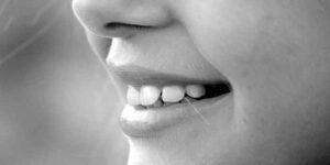 दांतों के दर्द में तुरंत आराम चाहिए ? जानिए ११ असरदार घरेलु उपाय