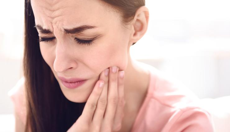 दांतों में दर्द क्यों होता है