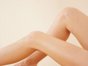 महिला के घुटने