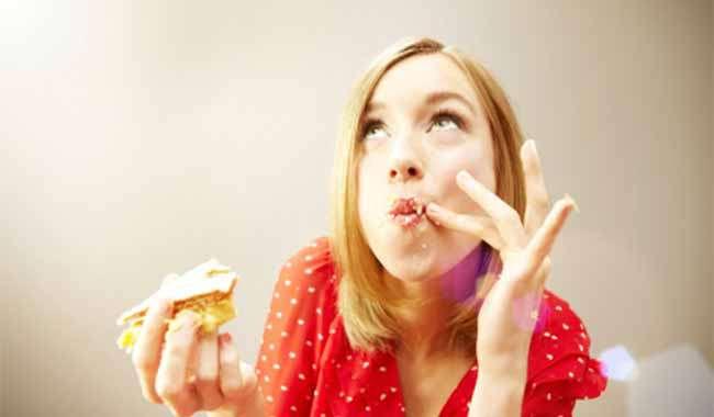 बेवक्त खाना छोड़कर करे फेस को मोटा