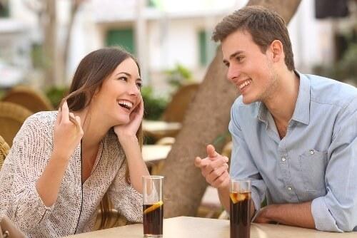 लड़की को गर्लफ्रेंड बनाने के लिए कैसे बात करें