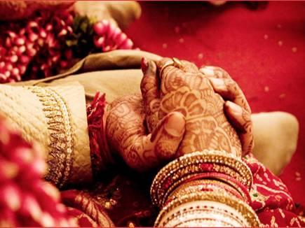 कम उम्र में शादी करने से क्या होता है