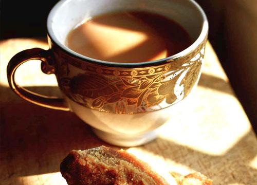 गुड़ से बनी चाय पीने के नुकसान