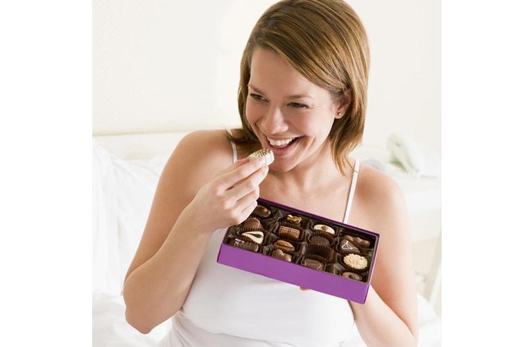 चॉकलेट खाने से मिलती है मूड को बदलने में मदद
